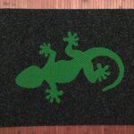 GECKO-green on charcoal